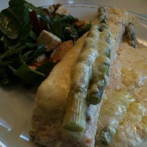 Krämig laxgratäng med sparris - Recept på Hssons skafferi